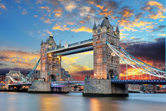 塔桥梁在伦敦,英国 免版税图库摄影