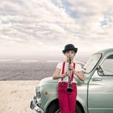 演奏单簧管的小女孩 免版税库存图片