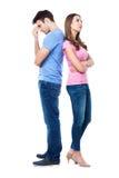 紧接站立不快乐的夫妇 免版税图库摄影
