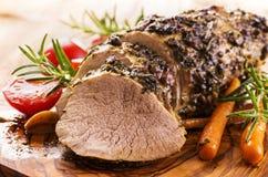 与菜的烤小牛肉 库存图片