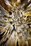 钟乳石和石笋特写镜头  库存图片