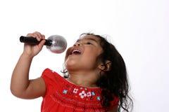 小歌唱家 免版税库存照片