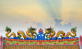 Искусство скульптуры мухы дракона на верхней крыше Стоковые Изображения