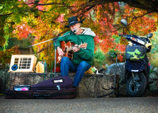 街道音乐家在京都 免版税库存照片