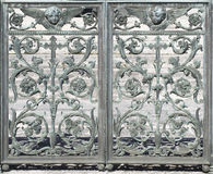 金属门装饰(抽象自然元素) 库存照片