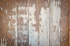 土气被风化的谷仓木头背景 免版税库存图片