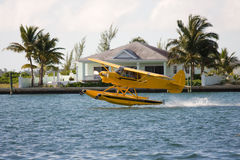 水上飞机采取 免版税库存照片