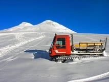 雪上电车 免版税库存图片