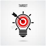 创造性的电灯泡和目标概念 免版税库存图片