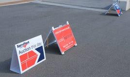 房地产销售标志 免版税库存照片