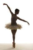 剪影跳芭蕾舞者 免版税库存照片
