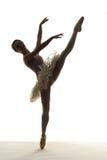 剪影跳芭蕾舞者 免版税库存图片