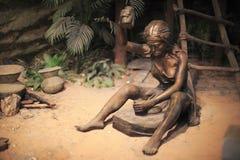 Примитивная деятельность женщины Стоковая Фотография RF