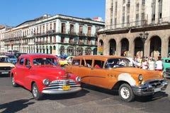 经典老美国汽车在哈瓦那中心 库存图片