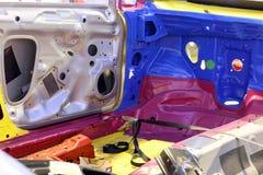 一辆汽车的内部骨骼在汇编期间的 免版税图库摄影