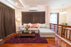 Современная живущая комната Стоковое Изображение RF