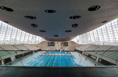 奥林匹克游泳池 库存照片