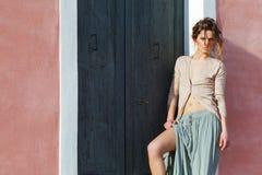 时装模特儿室外画象  库存图片