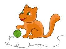 小的滑稽的猫使用与毛线球  免版税库存照片