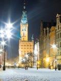 市政厅老镇格但斯克波兰欧洲。冬天夜风景。 免版税库存图片