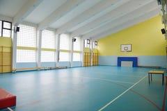 室内学校健身房 免版税库存照片