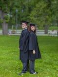 夫妇在毕业典礼举行日 免版税图库摄影