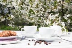 一杯咖啡的静物画 免版税库存照片