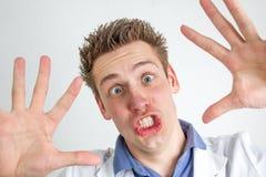 滑稽的年轻医生 免版税库存图片