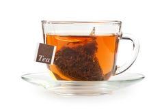 一杯茶与茶包的 免版税库存图片