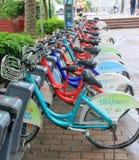 绿色自行车 免版税图库摄影