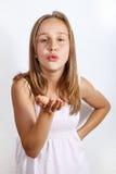 逗人喜爱的女孩纵向少年年轻人 免版税库存照片