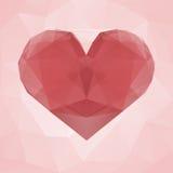 红色心脏由透明三角做成在桃红色抽象几何背景 免版税库存照片