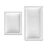 Белое пустое саше упаковывая для еды, косметик, или медицины Стоковая Фотография RF