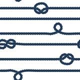 海军绳索和海洋结镶边了在蓝色和白色,传染媒介的无缝的样式 免版税库存照片
