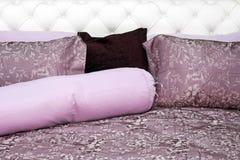 пурпур постельных принадлежностей Стоковые Изображения