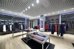 布料商店全新的内部 库存照片