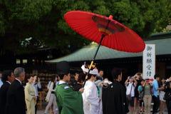 神道的信徒的婚礼在日本 免版税库存图片