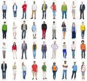Группа в составе многонациональные разнообразные смешанные люди занятия Стоковое фото RF