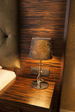 Лампа на таблице ночи Стоковая Фотография RF