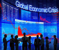 Бизнесмены силуэта с глобальным экономическим кризисом Стоковое Изображение