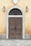 Ξύλινοι πόρτα και τοίχος Στοκ Εικόνες