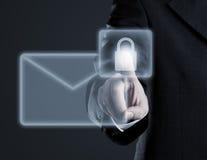 Безопасная концепция электронной почты на виртуальном экране касания Стоковая Фотография RF