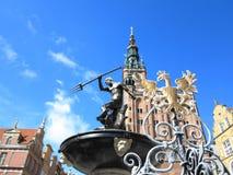 海王星喷泉和市政厅在格但斯克,波兰 图库摄影