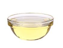 在玻璃碗的向日葵油 库存照片