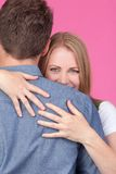 обнимать женщину человека Стоковые Фотографии RF