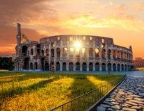 罗马斗兽场在春天,罗马,意大利 免版税库存图片