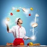 Μάγειρας στην κουζίνα Στοκ φωτογραφίες με δικαίωμα ελεύθερης χρήσης