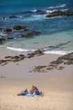 在海滩的暑假乐趣 库存图片