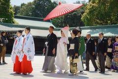 仪式日本神道的信徒的婚礼 库存照片