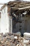 损坏的老谷仓 库存照片